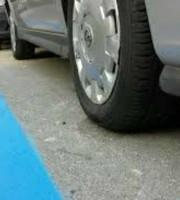 Parcheggi blu (foto tratta da Twitter San Benedetto del Tronto)