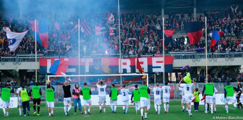 Samb-Giulianova 2-0, la Samb sotto la curva