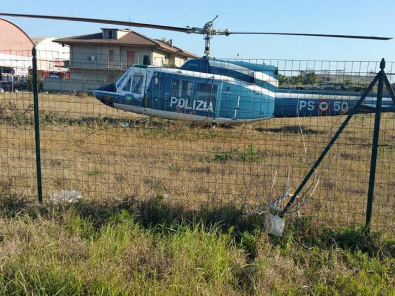 Elicottero della Polizia a Porto d'Ascoli, 15 dicembre (foto di Simone Ciotti)