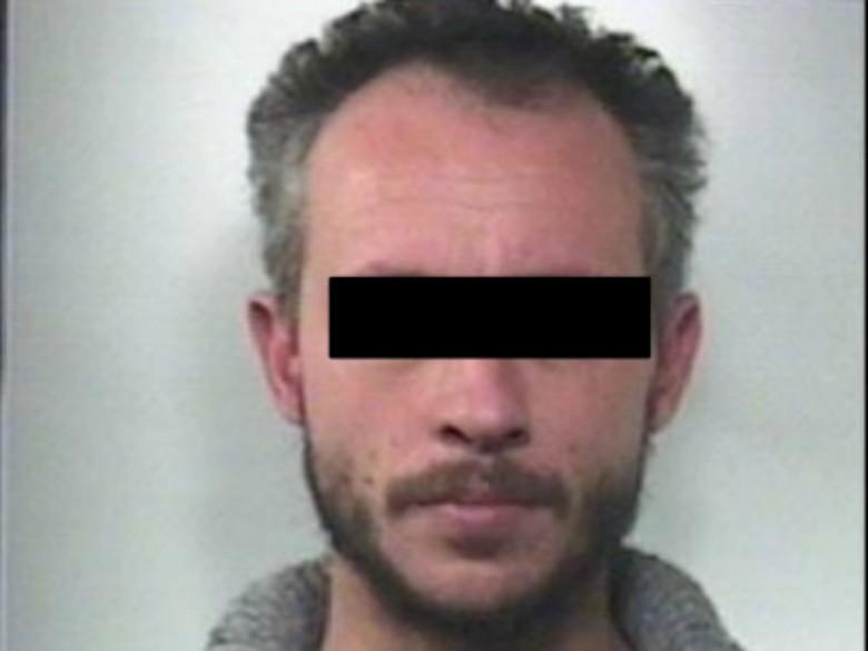 38enne arrestato (Foto Carabinieri di Fermo)