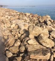 Le nuove scogliere a protezione della pista ciclabile fra Grottammare e Cupra