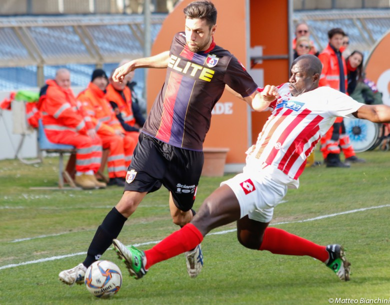 Samb-Vis Pesaro 2-0, Sorrentino fermato da Seye ex rossoblu
