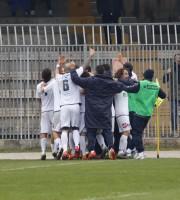 Monticelli-Samb Palumbo festeggiato dopo il gol foto bianchini
