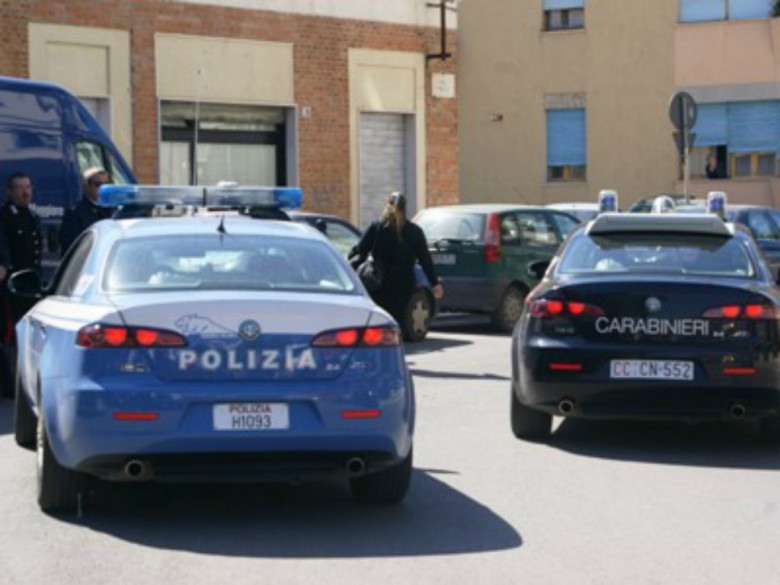 Polizia e carabinieri (foto tratta dal sito www.alpauno.com)