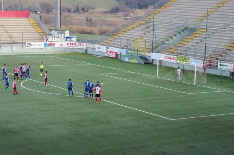 Vittorio Esposito firma il gol della vittoria del Matelica sul San Nicolò