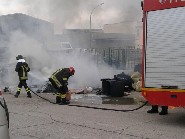 Incendio in via Vasco De Gama, 16 marzo