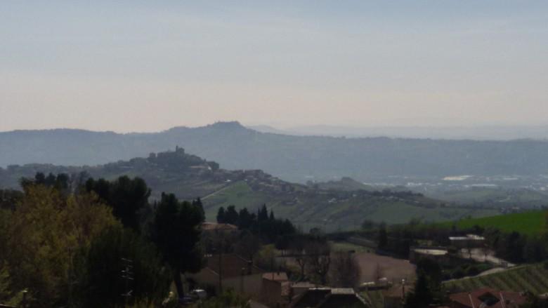 Vista da Acquaviva sui borghi di Monteprandone e Colonnella