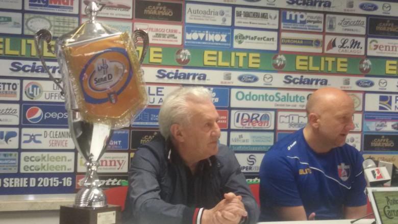 Fedeli e Palladini con la coppa della Serie D