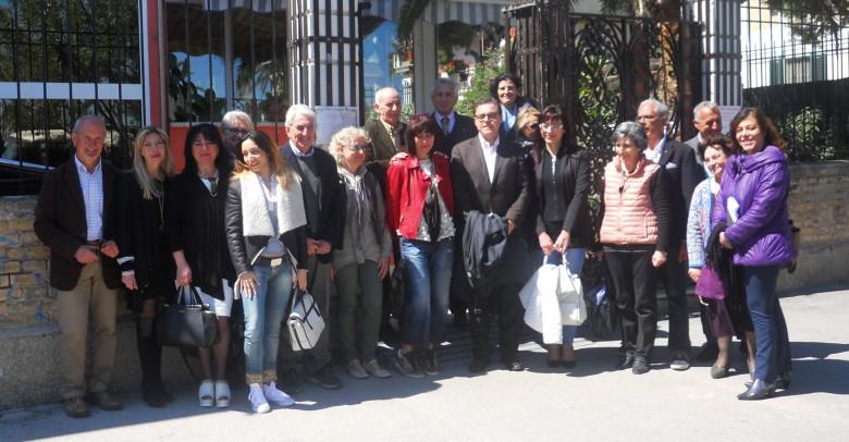 """La squadra di """"Mosaico Piceno"""". Al centro l'avvocato Silvio Venieri, subito dietro Mimmo Minuto (primo a sinistra)"""
