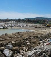 Lavori alla foce dell'Albula (foto tratta dalla pagina Twitter San Benedetto del Tronto)