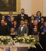Marco Concetti (al centro) riconfermato presidente della Corale Sisto V