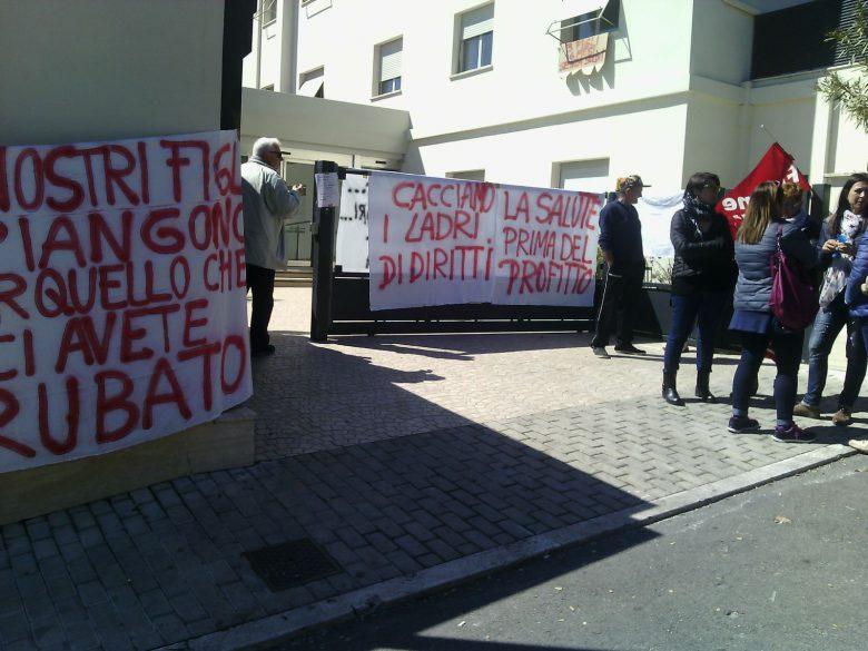 Stella Maris manifestazione dipendenti protesta