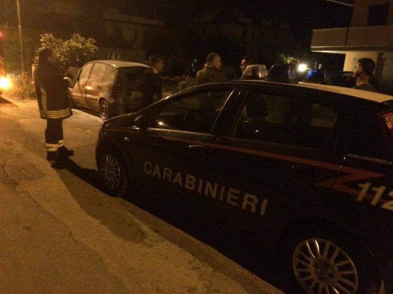 Auto data alle fiamme in zona Tronto