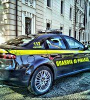 Guardia di Finanza in azione (foto Gdf Roseto degli Abruzzi)
