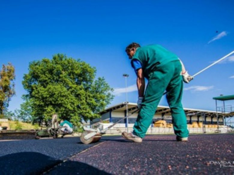 Lavori in corso alla pista d'atletica (foto di Davida Ruggieri)