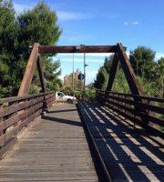 Il ponte di legno sul Vibrata è stato riaperto