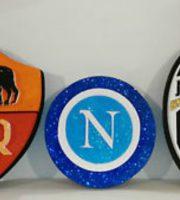 Emblemi squadre da calcio (foto tratta da www.ebay.it)