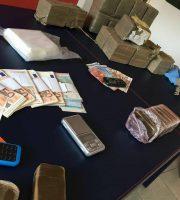 Hashish e denaro sequestrato, 23 giugno (foto Comando Compagnia Carabinieri Fermo)