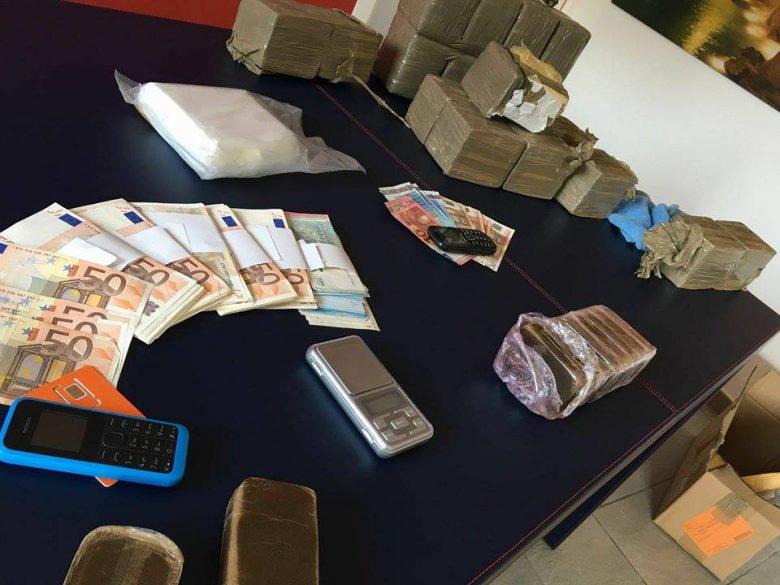 Hashish e denaro sequestrato 23 giugno