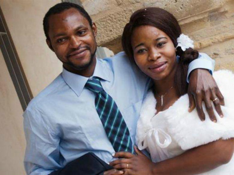 La vittima insieme alla moglie (foto tratta dalla pagina Facebook di Massimo Rossi)