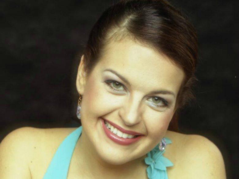 Andrea Ferreira