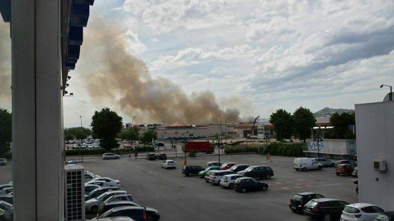 Incendio in via Valtellina, 14 luglio (foto di Daniele Barboni)