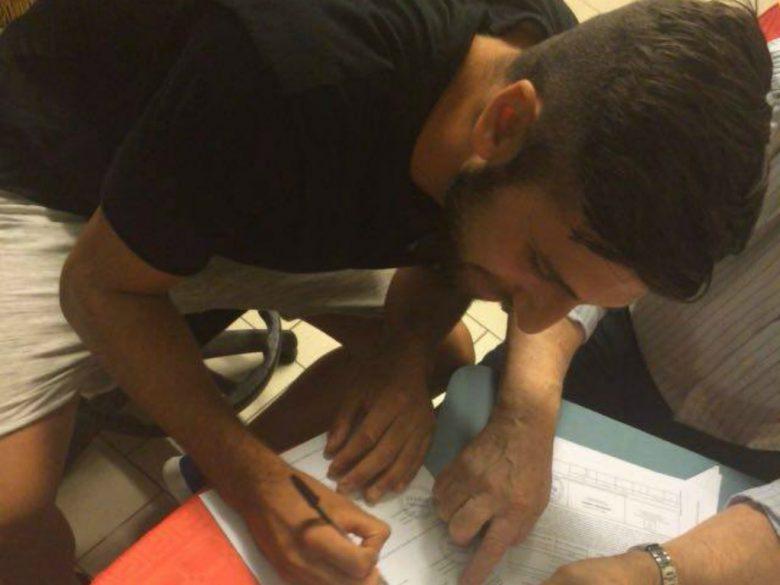 Sorrentino firma con la Samb (foto rilasciata dalla Sambenedettese)