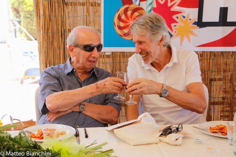 Shindler e Waters alla festa per i 95 anni dell'eroe di guerra britannico