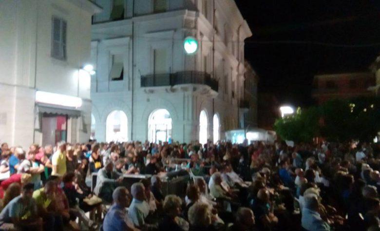 Piazza bella piazza (foto Città di Grottammare)