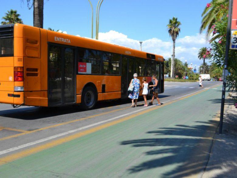 Fermata Bus (foto di repertorio)