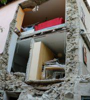 Accumoli, pareti crollate da un'abitazione