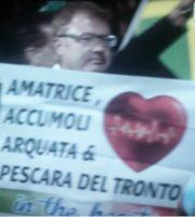 Alla cerimonia di apertura delle Paralimpiadi il sostegno ai paesi colpiti dal sisma (foto tratta dalla pagina Twitter Andrea Carini)