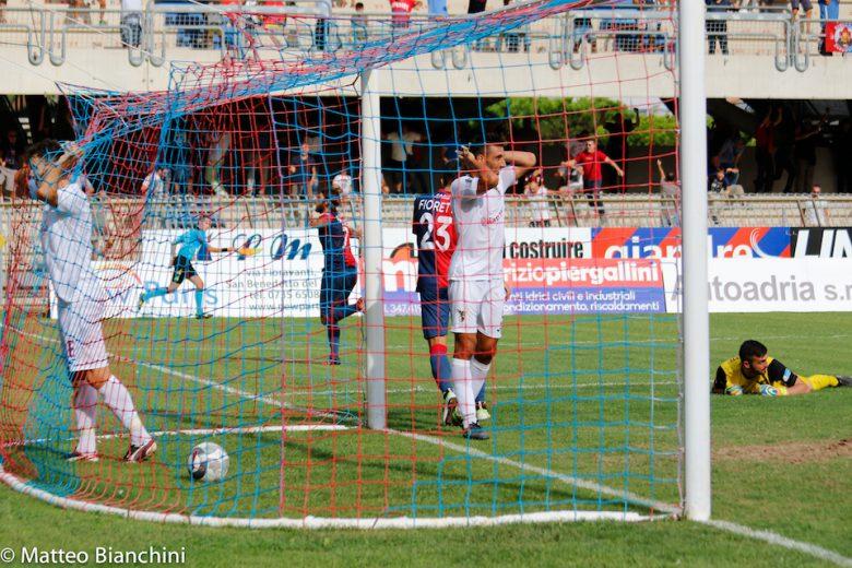 Samb-Fano 1-0, Mancuso festeggia il gol