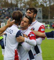 Gioia al gol di Tortolano (foto Bianchini)