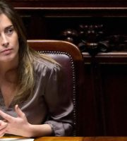 Ministro Maria Elena Boschi (foto tratta da mandamentonotizie.it)