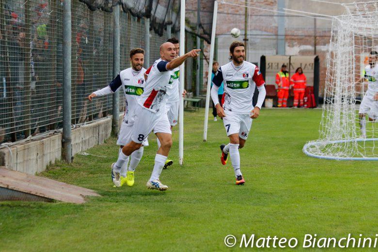 Venezia-Samb 2-2, Sabatino esulta dopo il gol