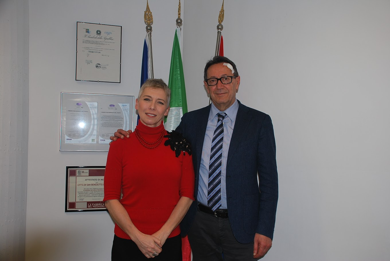 La ex presidente della camera pivetti in visita a san for Presidente della camera attuale