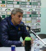 Crespo allo stadio Del Duca di Ascoli quando allenava il Modena (foto di Leonardo delle Noci)