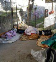 Quartiere Ponterotto, novembre 2016: si dorme per terra, all'aperto