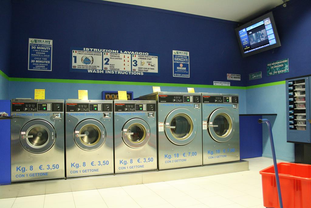 Numerosi furti nella lavanderia self service arrestato for Lavanderia self service catania