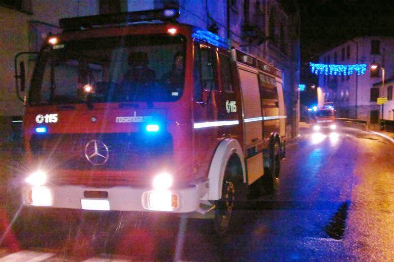 Incendi, Vigili del fuoco contro Regione:
