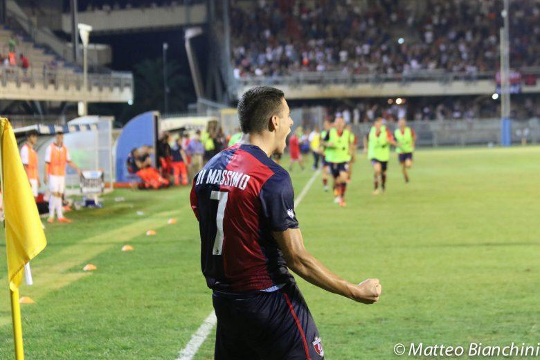 Samb-Lucchese 2-0 Di Massimo esulta dopo il raddoppio