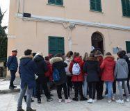 Faro Pedaso con scuola (foto Chiara Poli)