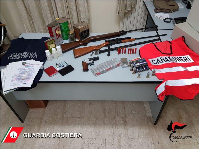 San Benedetto - Capitaneria scova falso comandante, in casa armi e munizioni