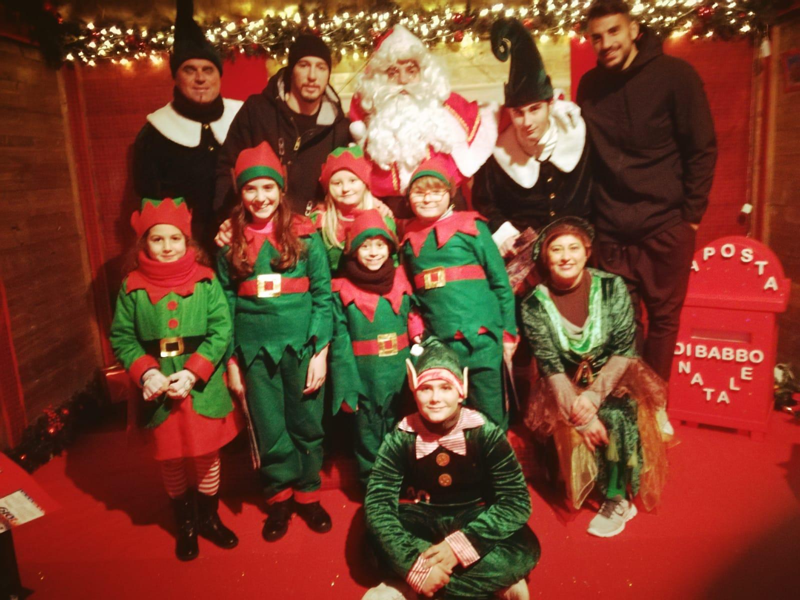 Visita Babbo Natale.Foto Babbo Natale E Nella Casa A Porto D Ascoli Anche La