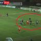Azione del rigore per il Mantova, 5 giocatori Samb sulla sinistra, al centro Lombardo lasciato nell'uno contro uno con Ganz